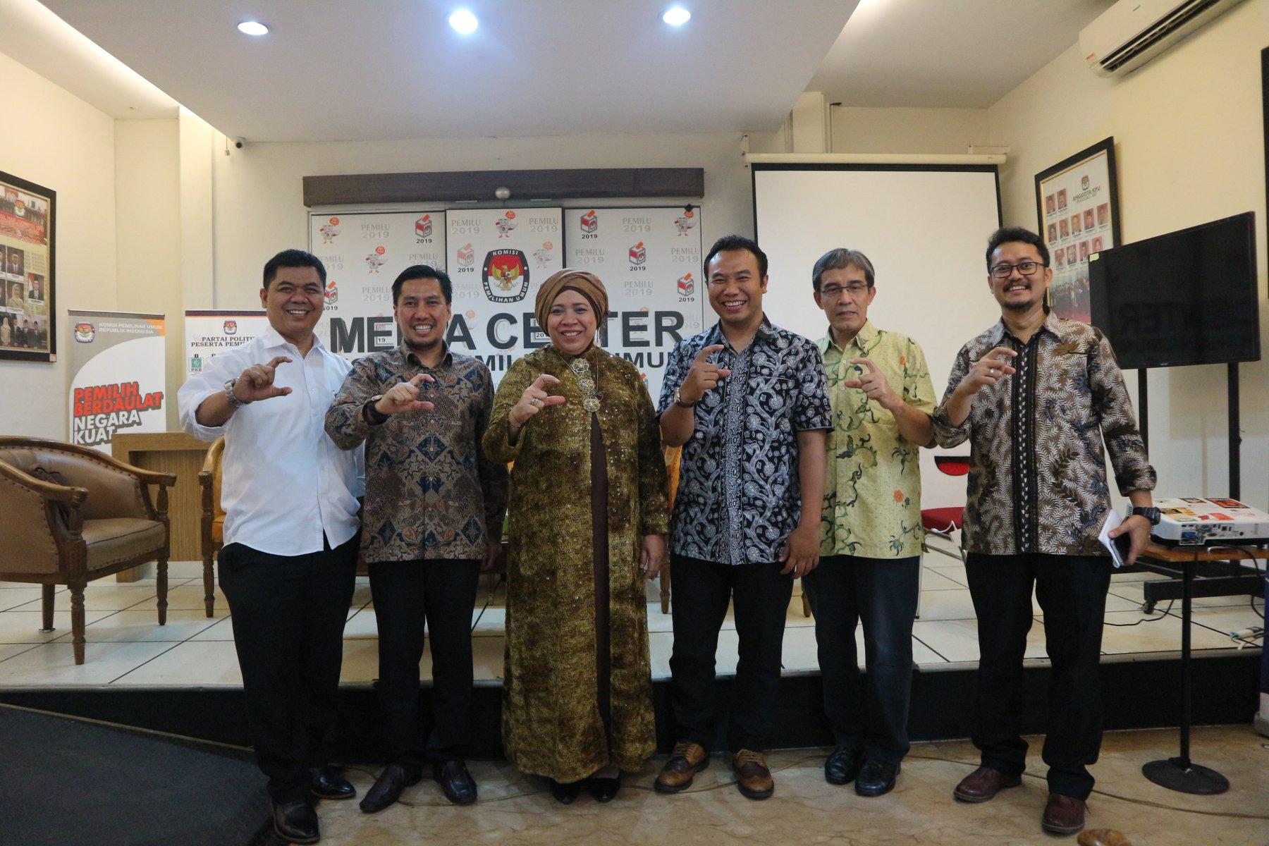 """(Indonesia) Diskusi Publik dengan Tema: """"Transparansi Rekam Jejak Caleg Pemilu 2019"""" – Media Center KPU RI, Senin 01 Oktober 2018"""