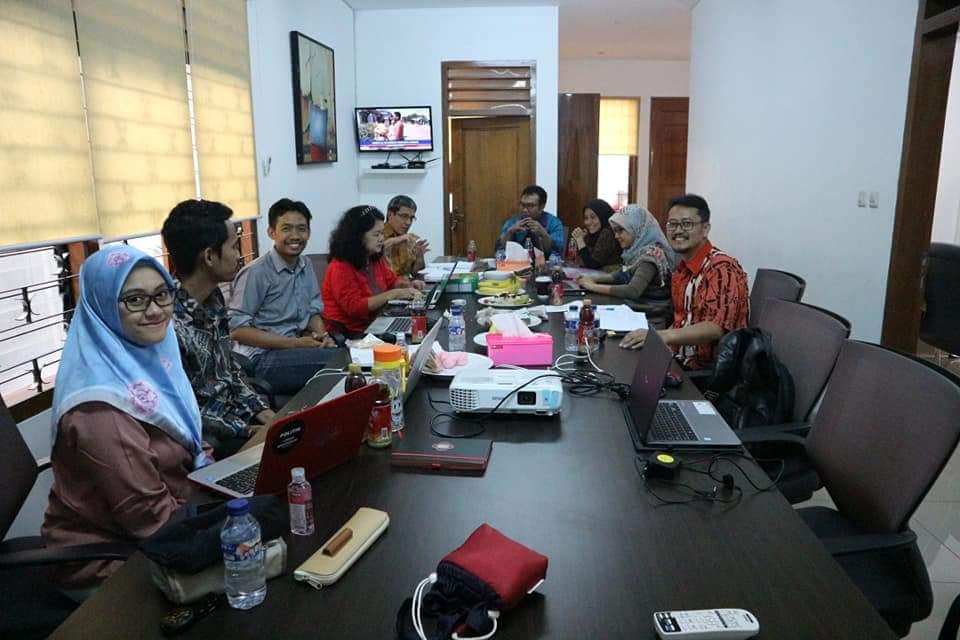 (Indonesia) BERDISKUSI BERSAMA TEMAN-TEMAN LSM PEMILU/PEGIAT PEMILU, Kamis 09 Agustus 2018