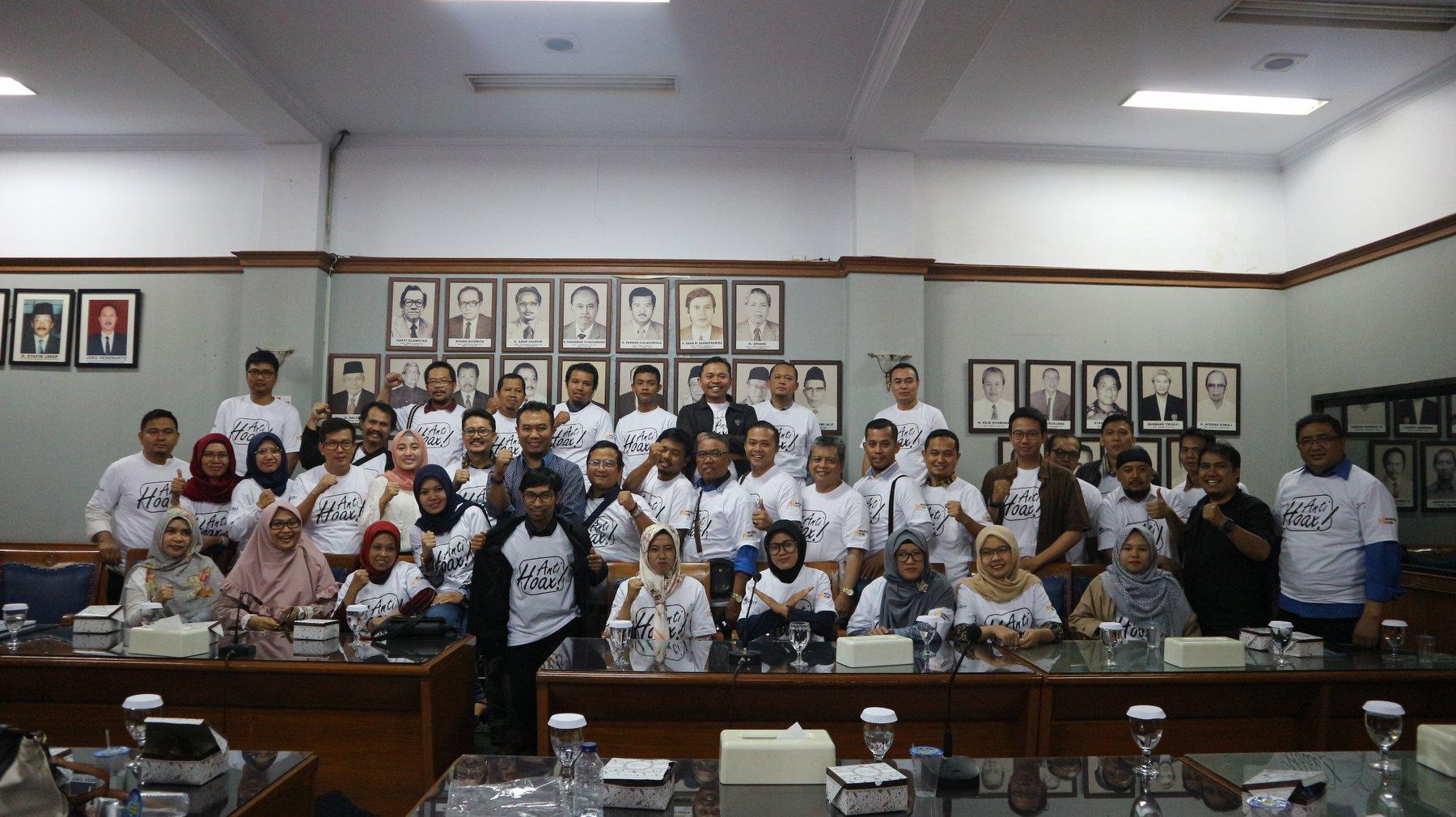 "(Indonesia) Diskusi Publik dengan Tema: ""Peran Kaum Muda Melawan Hoax Pemilu"" – Gedung Pikiran Rakyat – Bandung, Kamis 18 Oktober 2018"