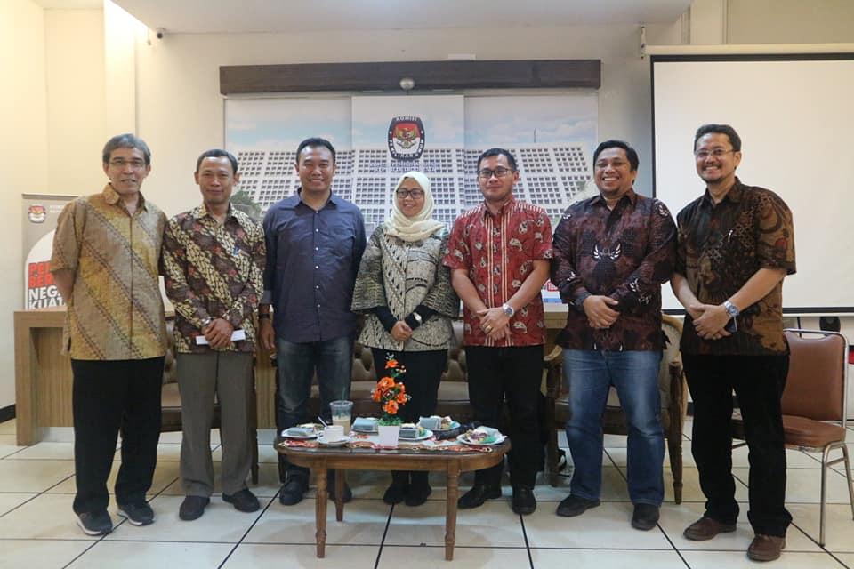 (Indonesia) Diskusi dengan Tema: Delegitimasi Terhadap Penyelenggara Pemilu: Fakta atau Hoax? – Media Center KPU RI, Jum'at 15 Maret 2019